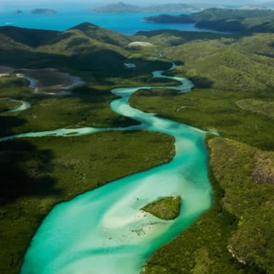 Explore the 74 Whitsunday Islands